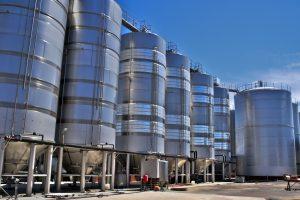 tanques de fermentacion de la uva bodega almendralejo